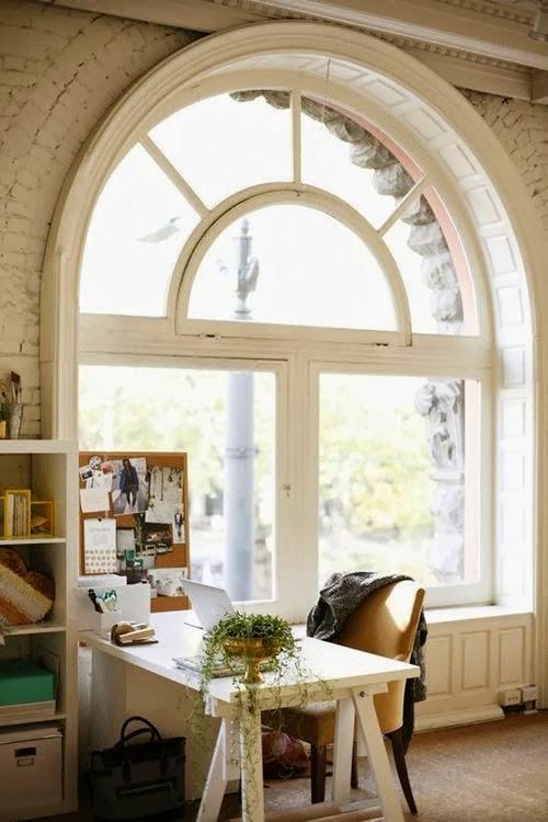escritorio y ventanal