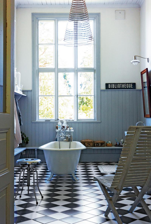 baño vintage friso azul