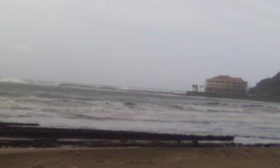 台風の白浜