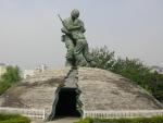 戦争記念館 兄弟の像(実物)