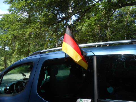 旗を立てた2