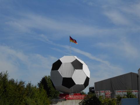 サッカーボール4