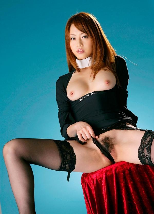 吉沢明歩 全身オイルでテカテカなヌード画像45枚の29番