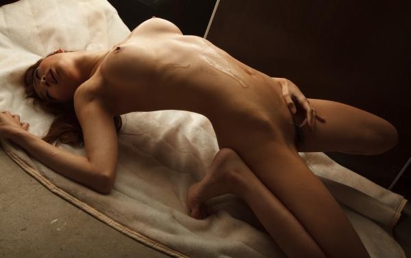 蓮実クレア 痴女系と呼ばれるスレンダー美女画像31枚の027枚目