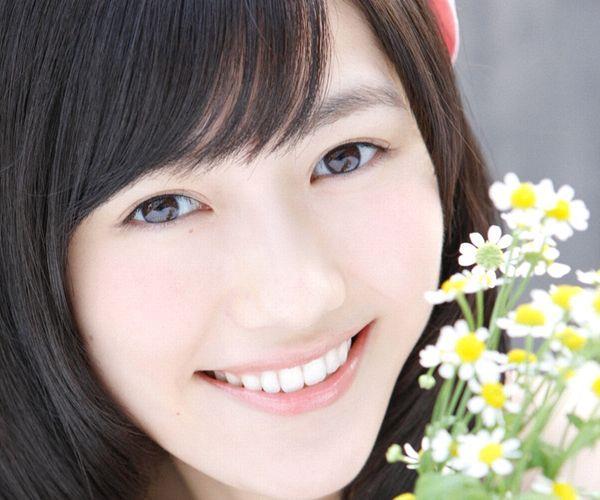 渡辺麻友 AKB48まゆゆのかわいいワンピース&ニーハイ姿 画像ードのAV女優エロ画像01.jpg