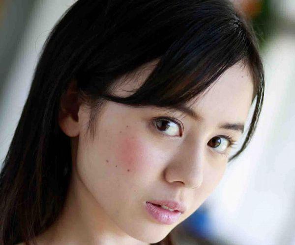 吉川あいみ 19歳 童顔ギャルの美巨乳 画像36枚の1
