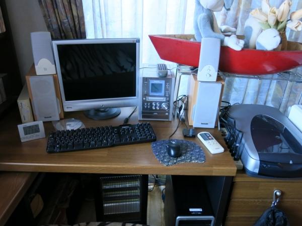 机の周り02