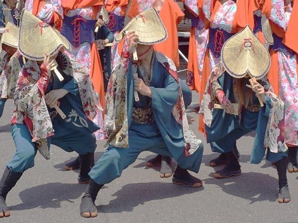 編み笠踊り02