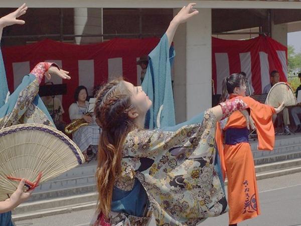 編み笠踊り04