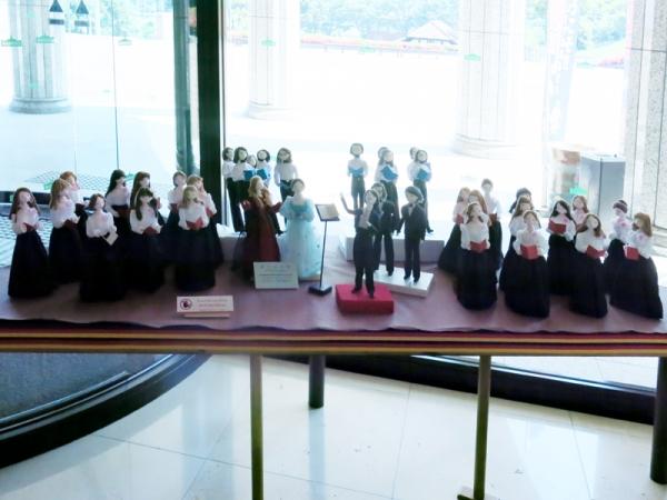 第九合唱団人形