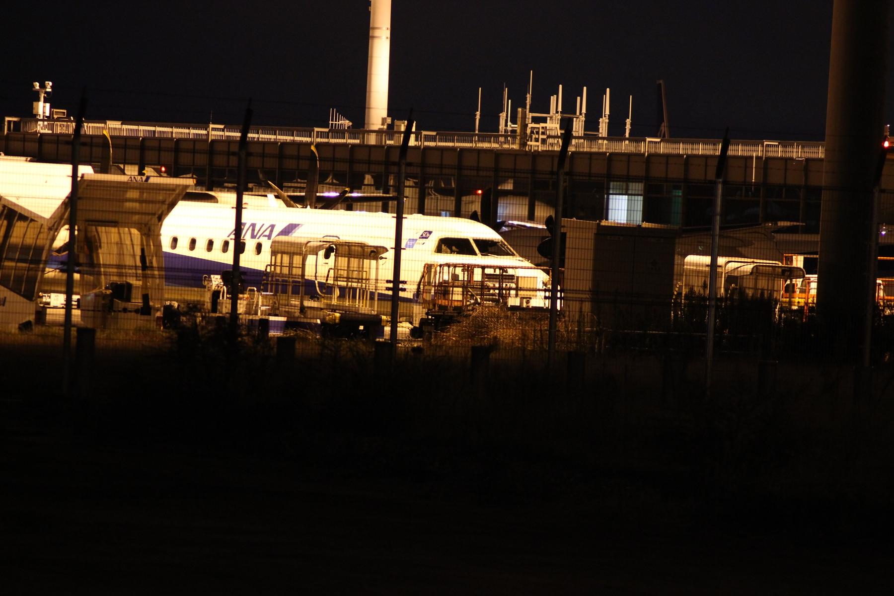 夜更けに大阪空港