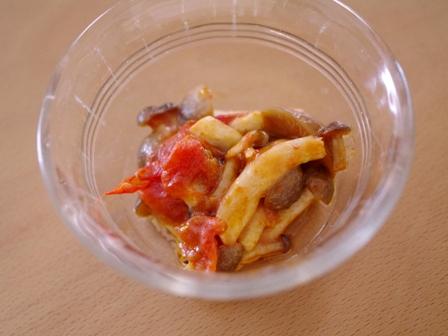 フォークリフトのキャラ弁当はたらくクルマ01