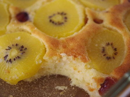 ホットケーキミックスでつくるフルーツのスコップケーキゴールドキウイとさくらんぼ04