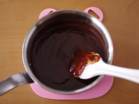 泡立て不要の超簡単チョコレートガナッシュのホールケーキ03