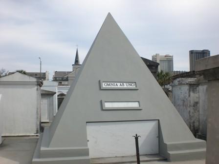 ニコラスの墓