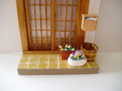 玄関に置いたタル型プランター