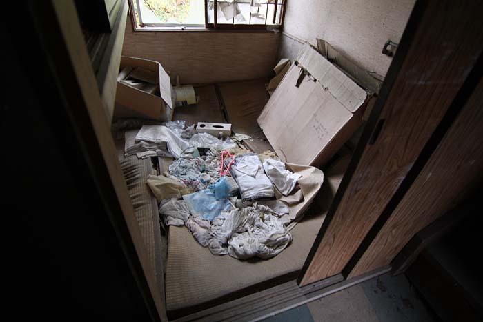 廃墟_円形ホテル「エノモト」_管理者の部屋(小)